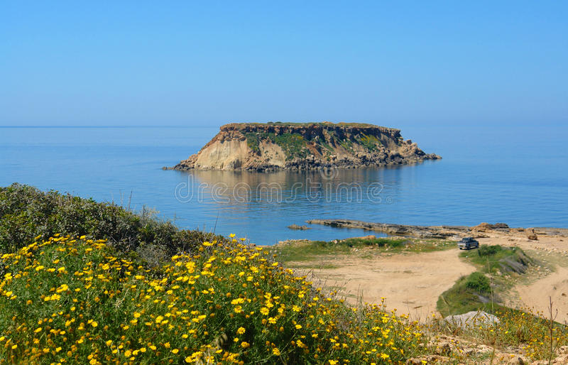 Het eiland van Geronisos in Cyprus stock afbeelding