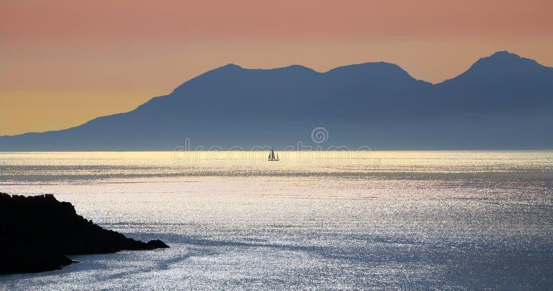 Het eiland van Rhum van Morar, Schotland stock afbeelding