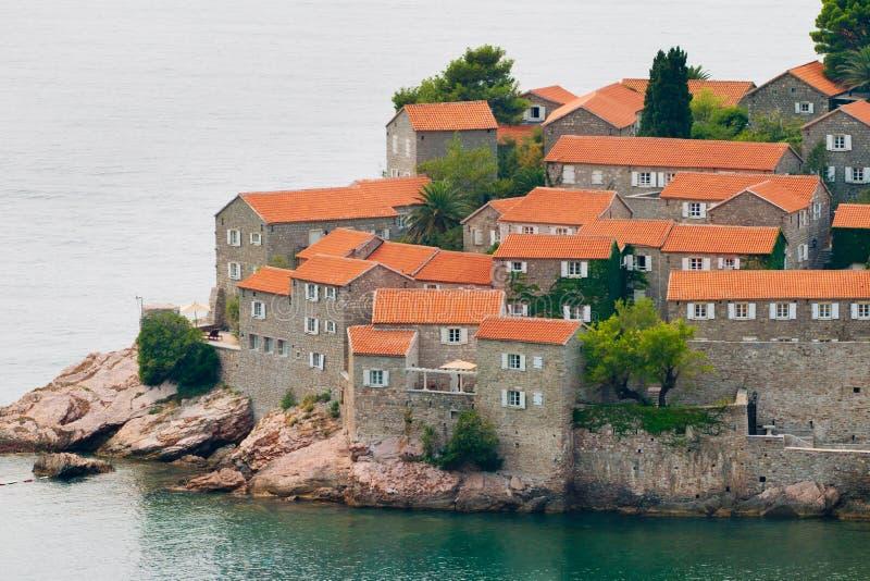 Het eiland van Sveti van Stefan (St. Stevens) stock foto
