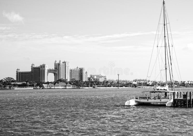 Het Eilandhotel en Casino van het Atlantisparadijs in Nassau stock fotografie