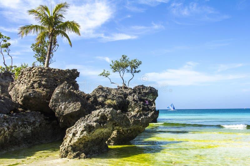 Het eilandoverzees van Boracayfilippijnen, strand, water, oceaan, kust, blauw, hemel, landschap, de zomer, aard, eiland, tropisch royalty-vrije stock fotografie