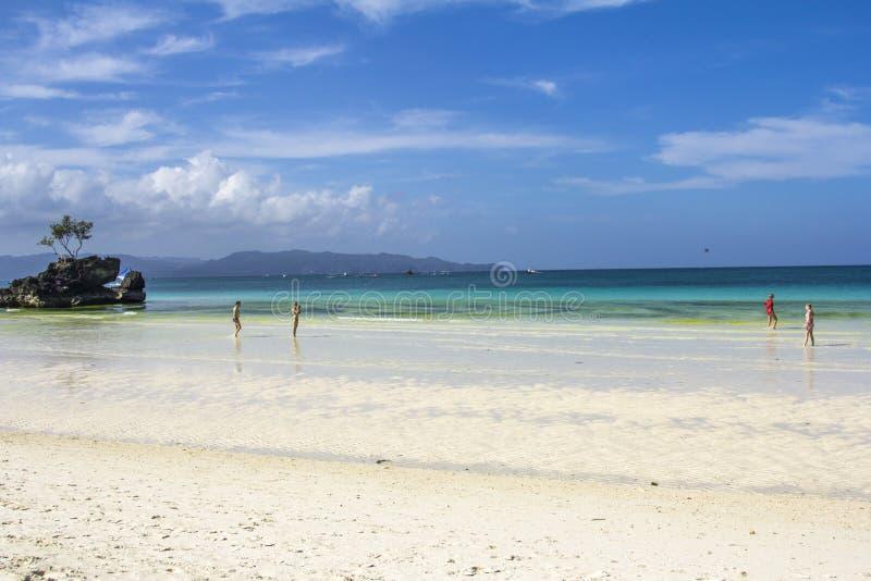 Het eilandoverzees van Boracayfilippijnen, strand, water, oceaan, kust, blauw, hemel, landschap, de zomer, aard, eiland, tropisch royalty-vrije stock foto's