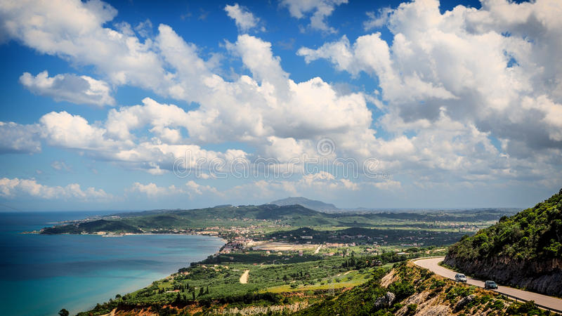 Het eilandpanorama van Zakynthos Mening over strand en Zante-stad in royalty-vrije stock afbeelding