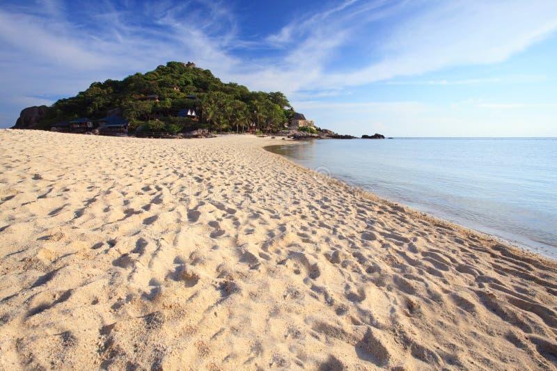 Het eilandstrand van Nangyuan in Thailand stock afbeelding