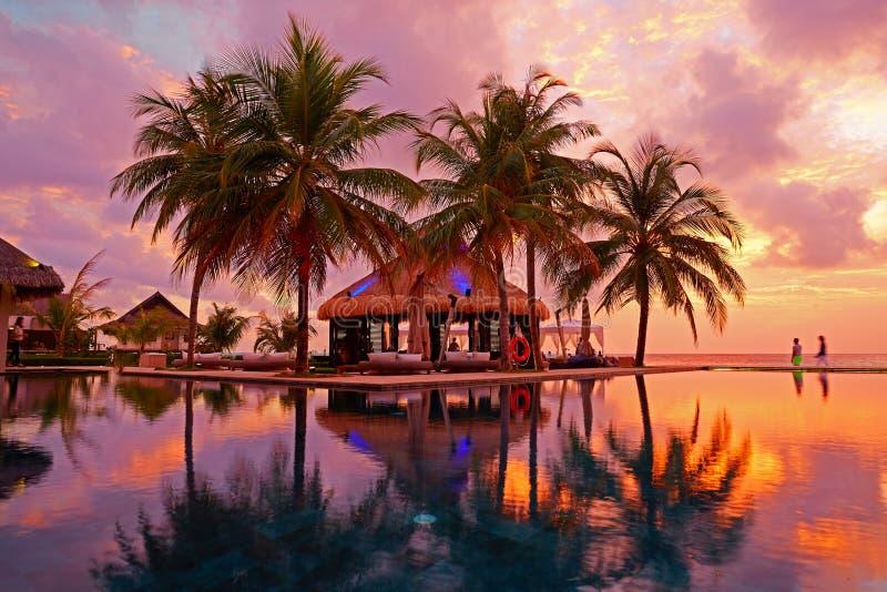 Het Eilandtoevlucht van Jumerirahvittaveli, de Maldiven royalty-vrije stock foto