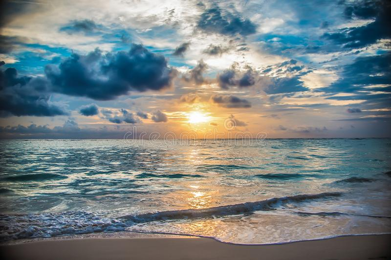 Het eilandzonsopgang en zonsondergang van de Dominicaanse republiek royalty-vrije stock foto