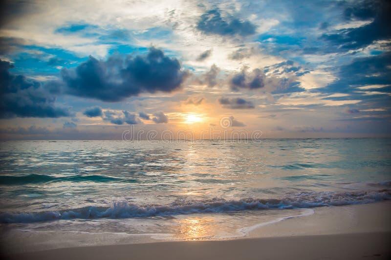 Het eilandzonsopgang en zonsondergang van de Dominicaanse republiek royalty-vrije stock fotografie