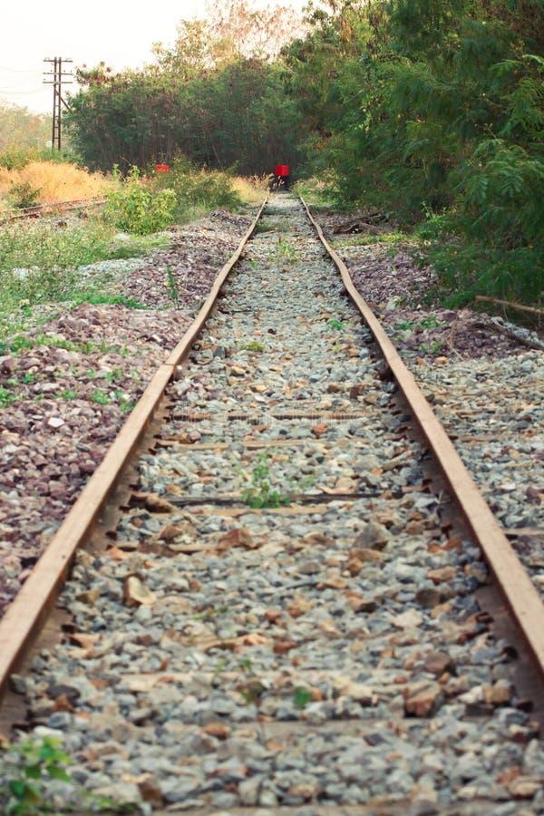 Het eind van spoorweg, Reis van trein eindigt aan het eind van de manier royalty-vrije stock fotografie