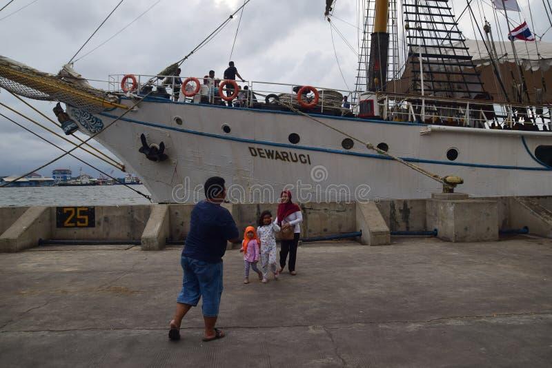 Het Einde van KRI Dewaruci in Haven van Tanjung-EMAS in Semarang stock afbeelding
