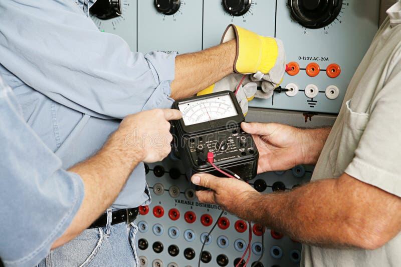 Het elektro Testende Voltage van het Team royalty-vrije stock foto