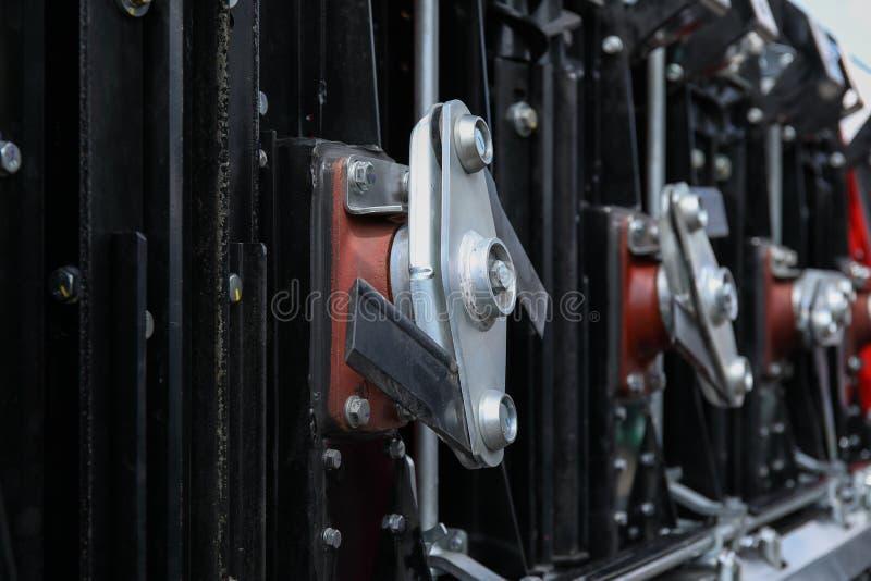 Het element van motorsysteem van nieuwe moderne landbouwtrekker of combineert of maaimachine stock afbeelding