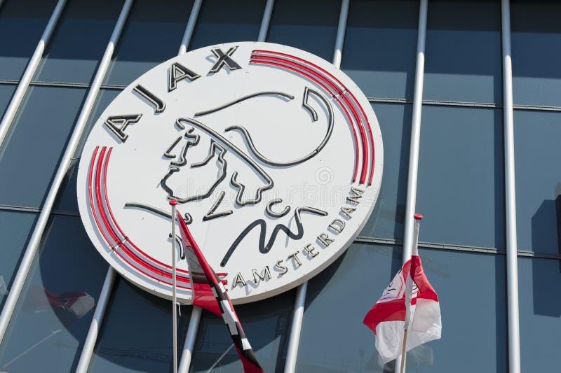 Het embleem van Amsterdam van Ajax op de Arena van Amsterdam stock foto