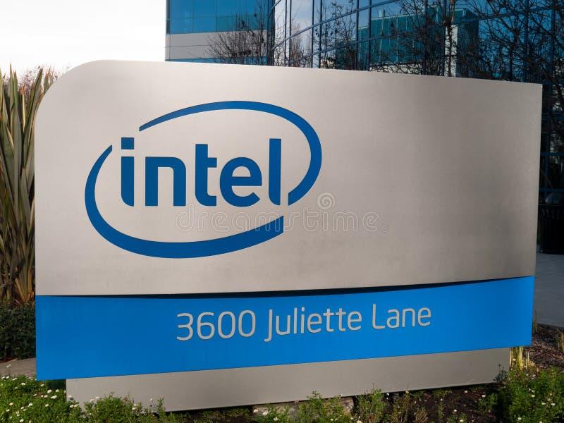 Het Embleem van Intel in Kerstman Clara Californië stock foto's