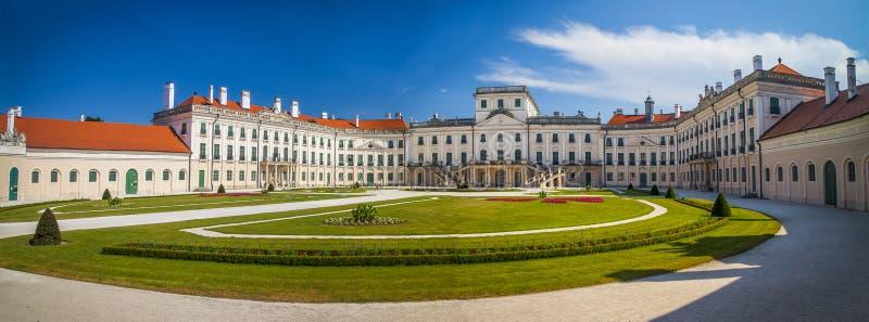 Het Esterhazy-Kasteel in Fertod, Hongarije royalty-vrije stock foto