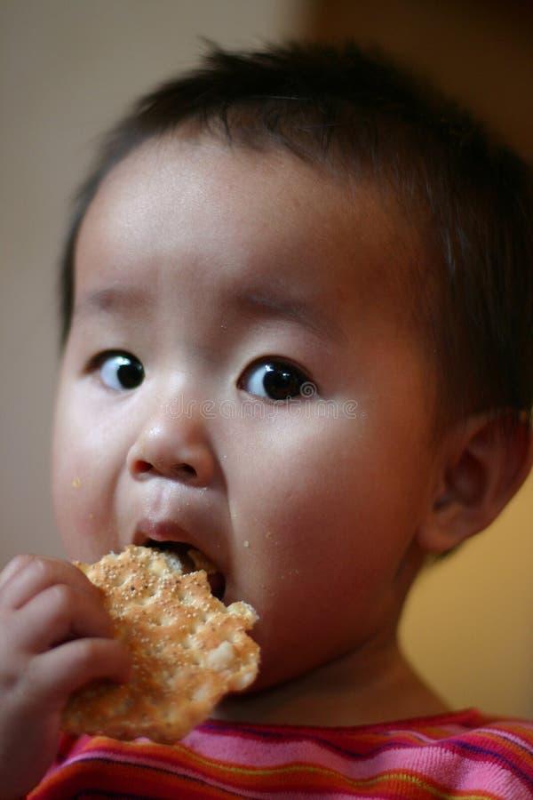 Het eten van kinderen stock afbeelding