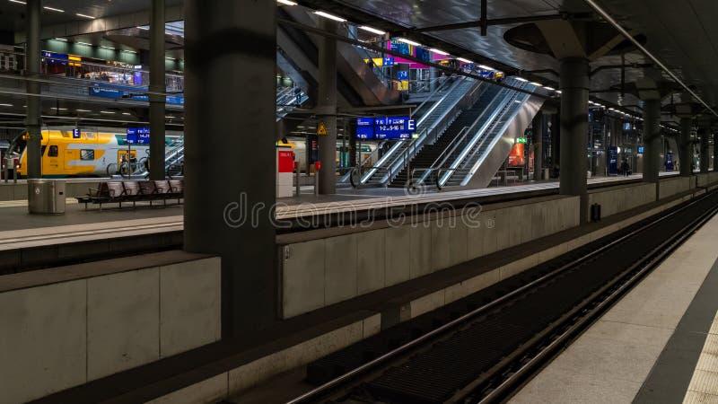 Het Europese station van het land - openbaar vervoer royalty-vrije stock foto