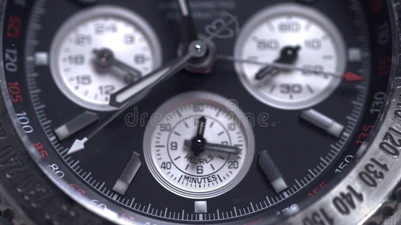 Het extreme macrodetail van Zwitser maakte horloge dat met de macro mannelijke toebehoren van de lensluxe voor zaken wordt gescho royalty-vrije stock foto