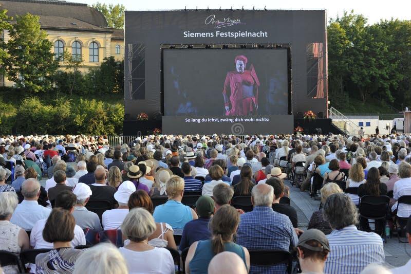 Het Festival van Bayreuth, het Openbare Bekijken van Wagner royalty-vrije stock foto