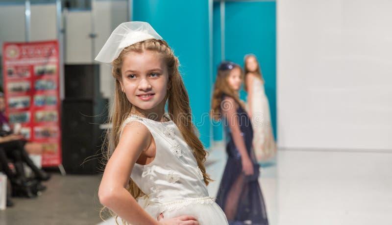 Het festival van de Kyivmanier 2016 van mode in Kiev, de Oekraïne stock fotografie