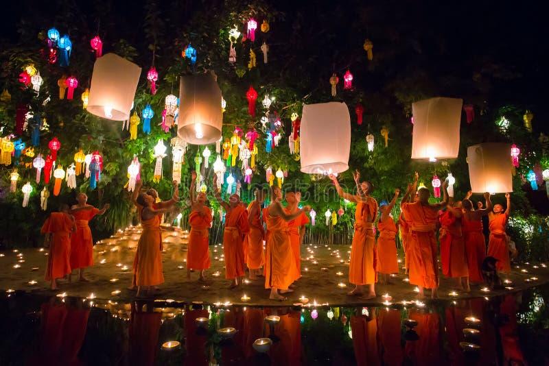 Het Festival van Kratong van Loy stock afbeeldingen
