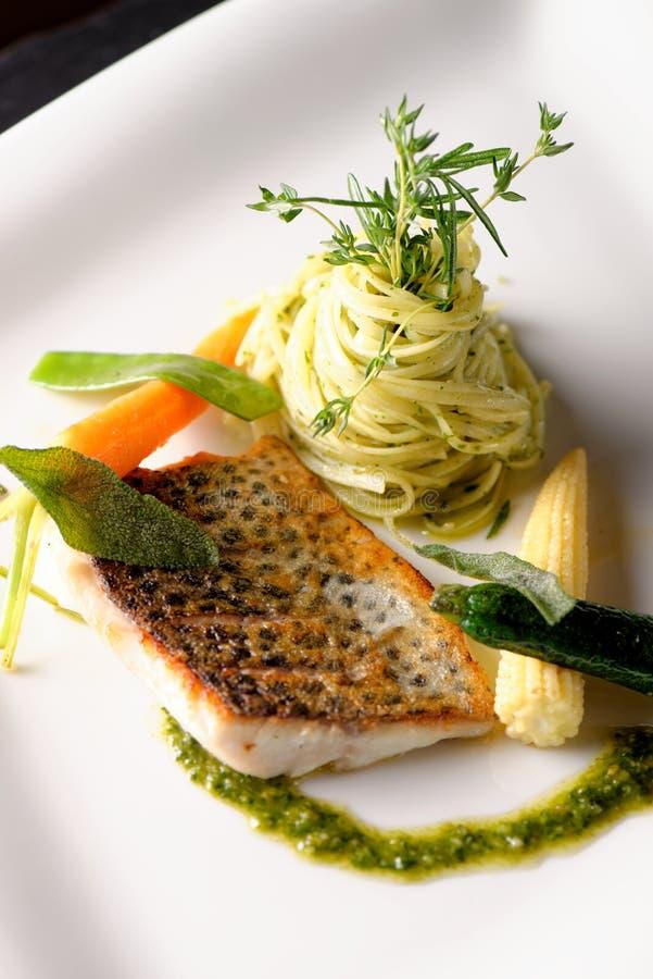 Het fijne dineren, visfilet stock foto