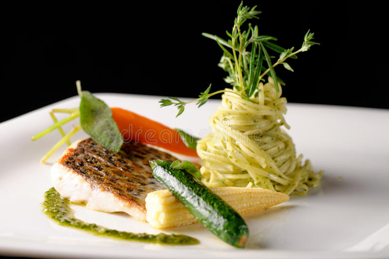 Het fijne dineren, visfilet royalty-vrije stock afbeelding