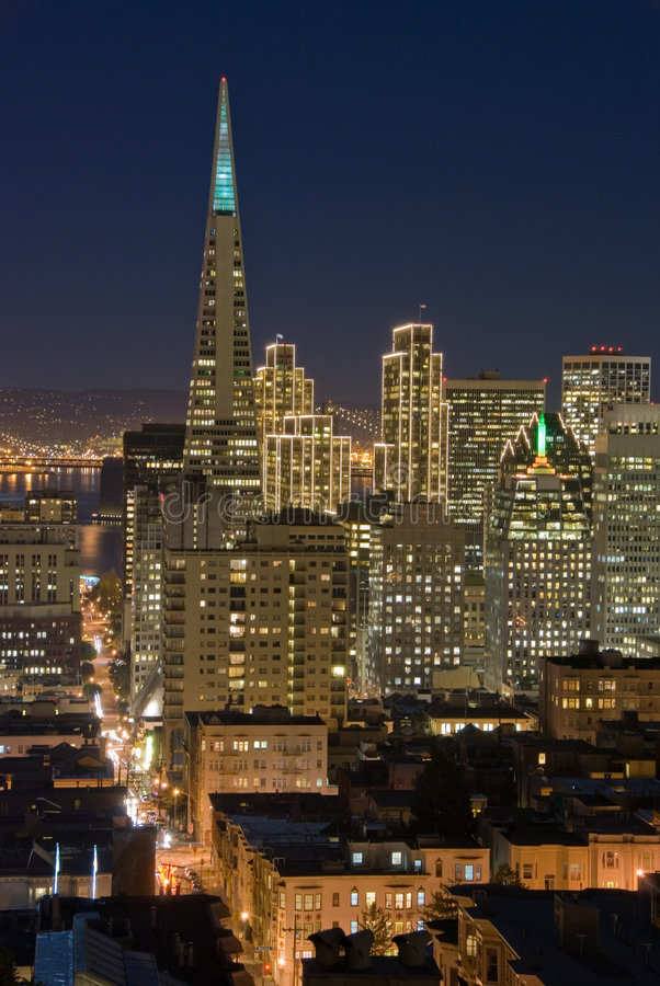 Het Financiële District van San Francisco bij nacht royalty-vrije stock afbeelding
