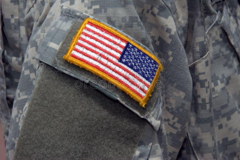 Het Flard van de vlag op Eenvormige de Militair van de Oorlog van Irak royalty-vrije stock foto's