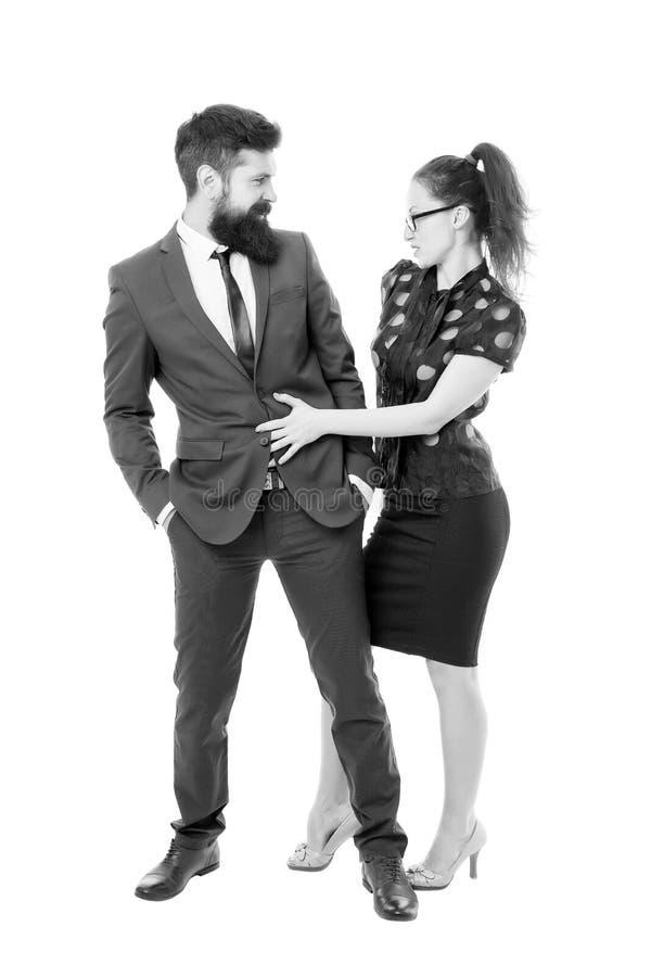 Het flirten met werkgever Man en vrouwen bedrijfscollega's Bureauflirt Carri?rebedrijf Bureaupaar Het flirten en royalty-vrije stock afbeeldingen