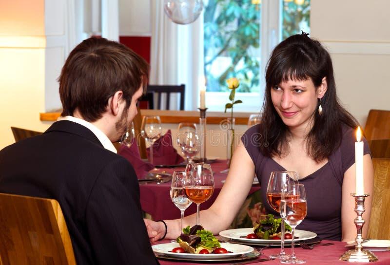 Het flirten over een Romantisch Diner stock fotografie