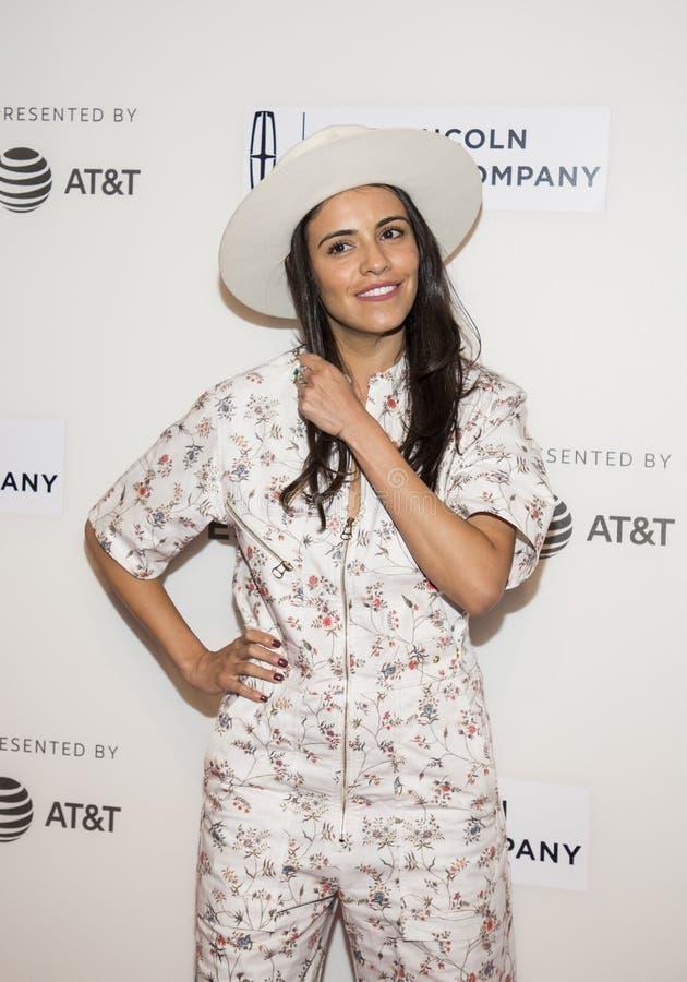 Het fonkelen Exec Producent Olga Segura Arrives bij ` de Diner` Première in NYC bij Tribeca-Festival royalty-vrije stock foto's
