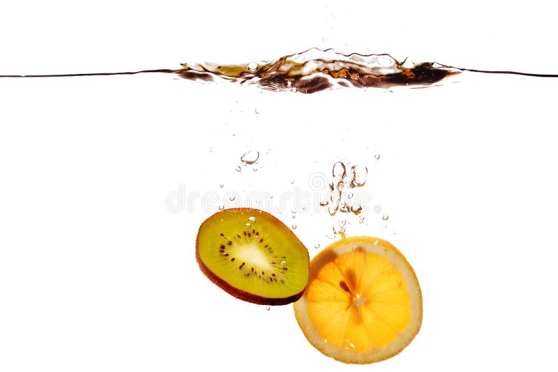 Het Fruit die in water vallen royalty-vrije stock foto's