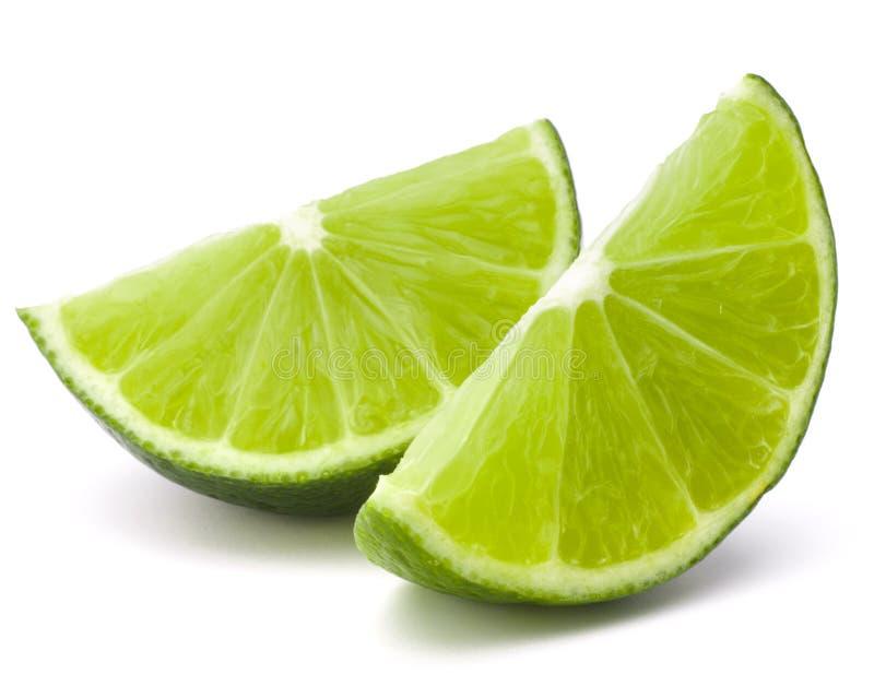 Het fruitsegment van de citrusvruchtenkalk dat op wit knipsel wordt geïsoleerd als achtergrond royalty-vrije stock foto