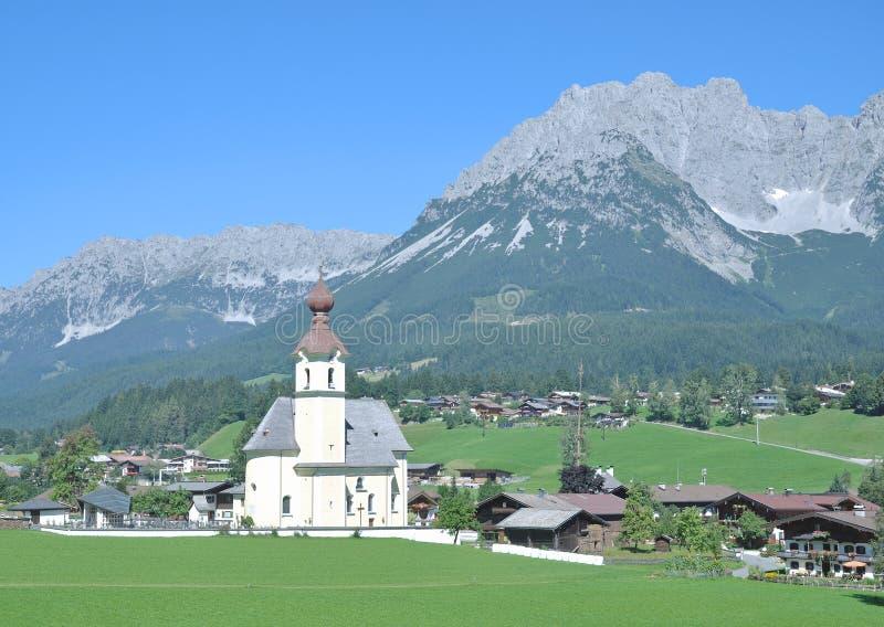 Het gaan am Wilden Kaiser, Tirol, Alpen, Oostenrijk royalty-vrije stock foto