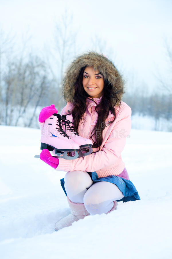 Het gaande het ijs van het meisje schaatsen stock fotografie