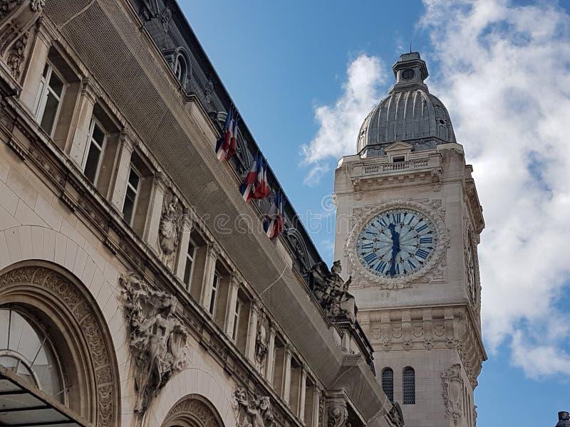 Het Gare de Lyonstation en de klok, Parijs, Frankrijk stock foto