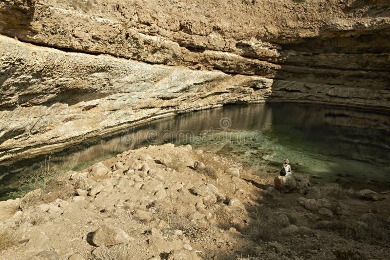 Het gat Dibba Al Bay Ah van de Bimmahgootsteen Sultanaat van Oman Arabisch P stock afbeelding
