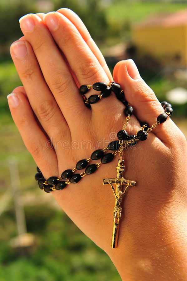 Download Het gebed parelt 2 stock foto. Afbeelding bestaande uit licht - 13762322