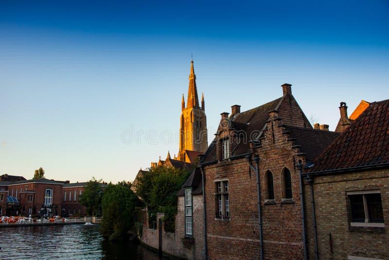 Het gebied van Begijnhofbeguinage, Brugge stock foto