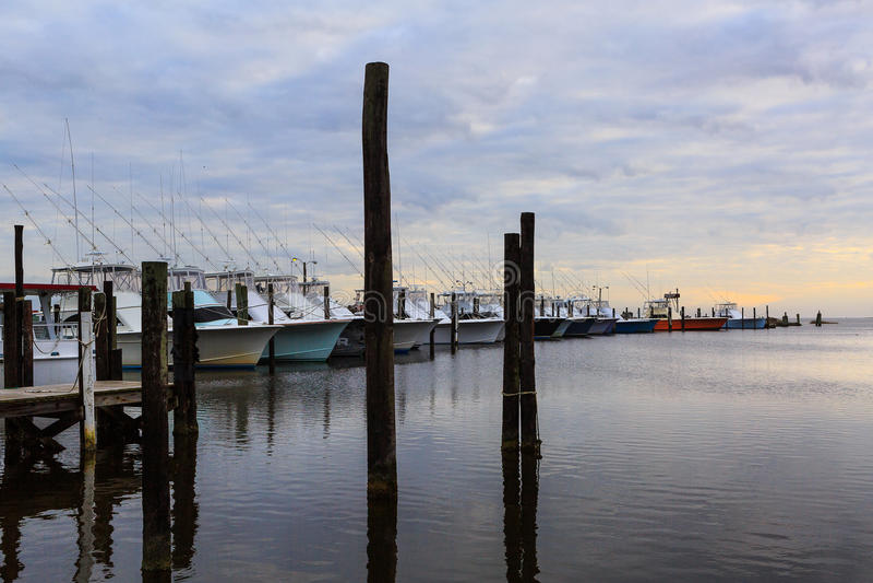 Het gebied van de de Inhamnc baai van Oregon met vissersboten, geluid en moerassen a stock afbeeldingen