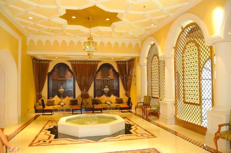Het gebied van de ontvangst in luxehotel royalty-vrije stock afbeeldingen