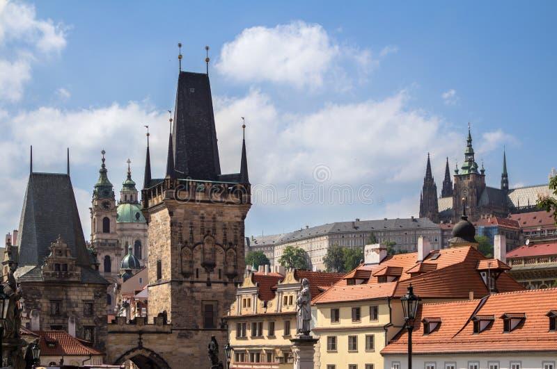Download Het Gebied Van De Poederpoort In Praag Stock Afbeelding - Afbeelding bestaande uit francis, stad: 107700941