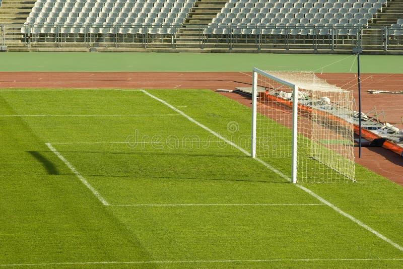 Het gebied van het voetbal en het doel royalty-vrije stock foto