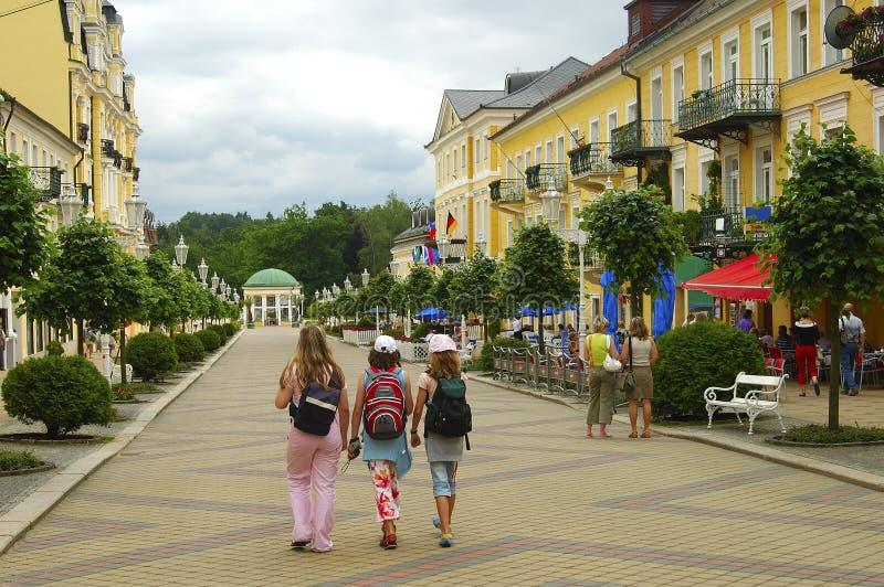 Het gebied van Pedastrian in een kleine stad royalty-vrije stock fotografie