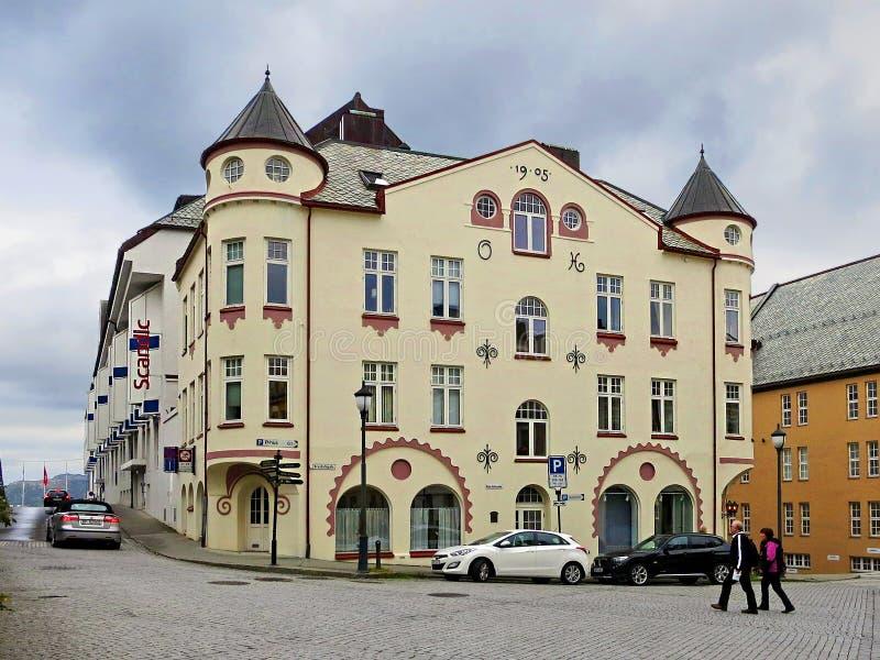 Het gebouw op de promenade van ï ¿ ½ lesund royalty-vrije stock afbeelding