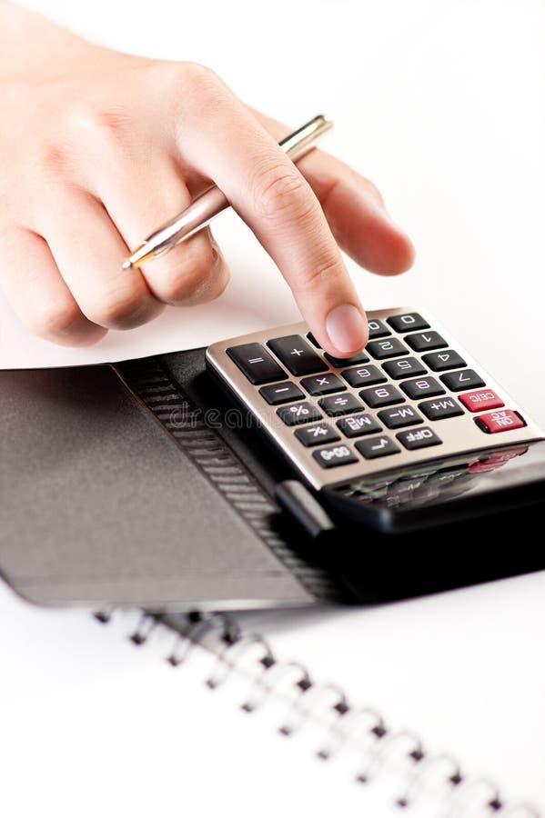 Download Het Gebruiken Van Calculator Stock Afbeelding - Afbeelding bestaande uit kleur, vinger: 10776747