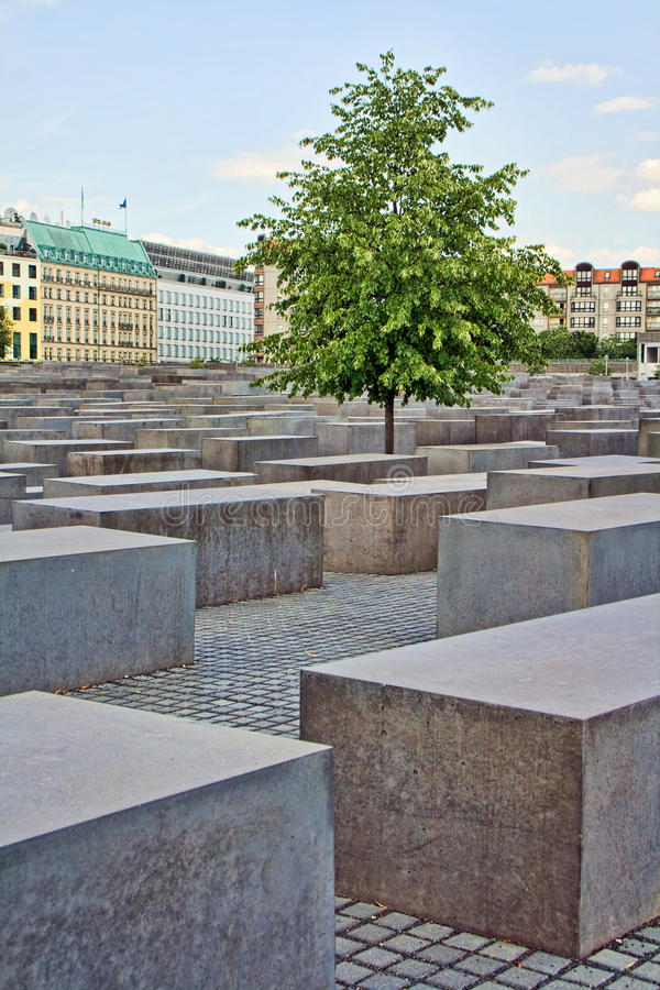 Download Het Gedenkteken Van De Holocaust In Berlijn, Duitsland Redactionele Foto - Afbeelding bestaande uit herdenkings, joods: 10782591