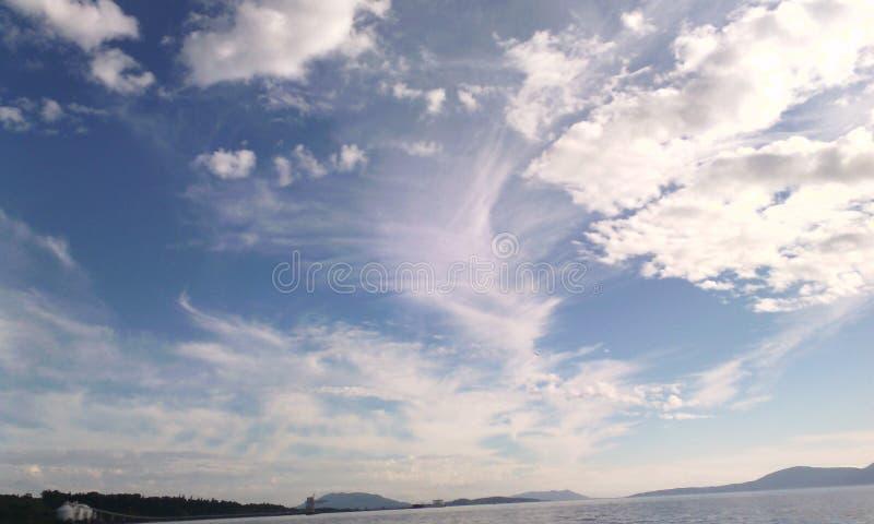 Het gekke kijken wolken royalty-vrije stock afbeelding