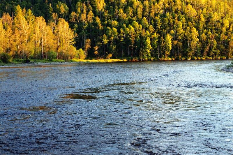 Het gelijk maken op de rivier Uur royalty-vrije stock fotografie
