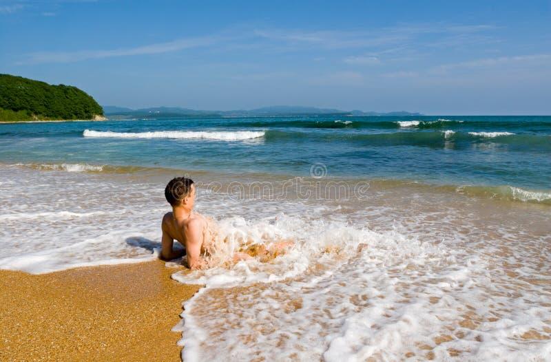 Het gelijk maken op het overzees. stock foto